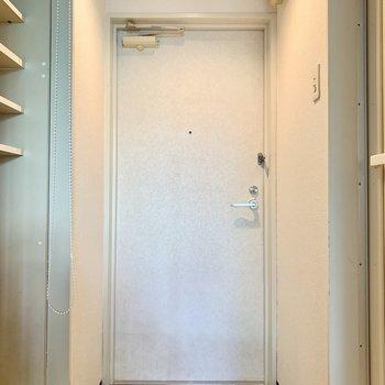 ※写真は1階の反転間取り別部屋のものです