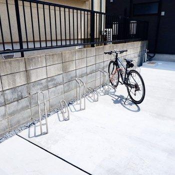 駐輪場もあります。手軽な移動手段を確保できるのは嬉しいですね。