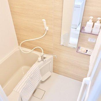 浴室も木目調がテーマです。