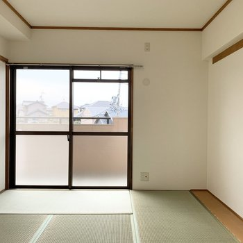 【和6】こちらも南向きで明るいお部屋。
