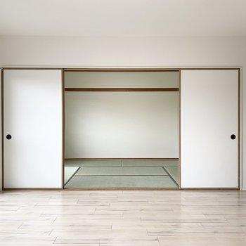 LDKのお隣には和室が。