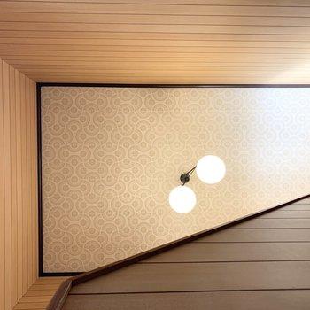 階段室の天井も素敵です◎