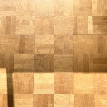 【洋6西】使用感で素敵な味わいの床と。