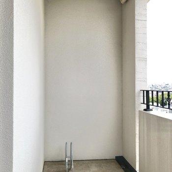 お部屋それぞれの階に指定の駐輪場があります。