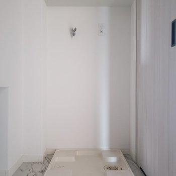 洗濯機置場もしっかり脱衣所の所にあります◎(※写真は3階の同間取り別部屋のものです)
