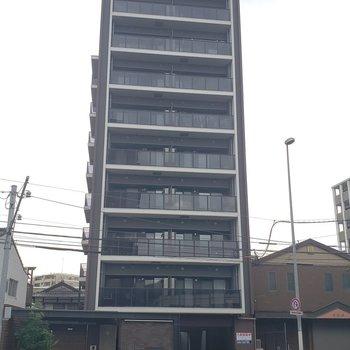 9F建てのマンションです。