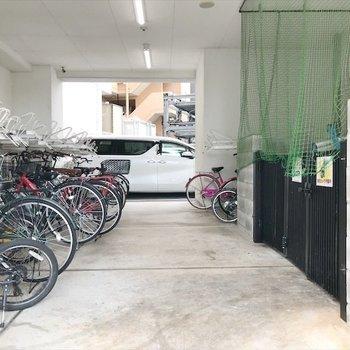 共用部】駐輪場とゴミ捨て場は敷地内◎