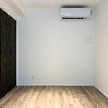 【洋室】家具配置のしやすい内装。