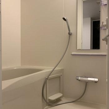 追い炊き、浴室乾燥付きのお風呂です。