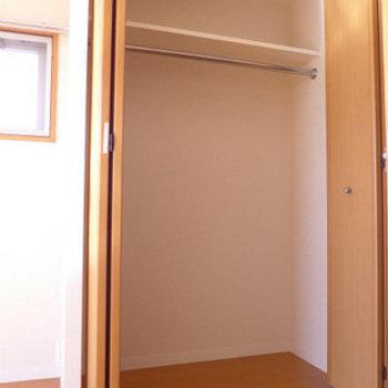 クローゼットは普通サイズかな。(※写真は11階の同間取り別部屋のものです)