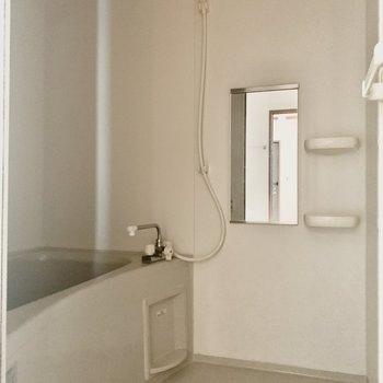追焚と浴室乾燥機が付いています。※写真は通電前のものです※写真は1階の同間取り別部屋のものです