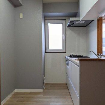【LDK】キッチンスペースは広めです。