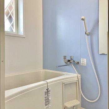 浴室乾燥機付きです。こちらもパステルブルーがかわいい!※写真は前回募集時のものです