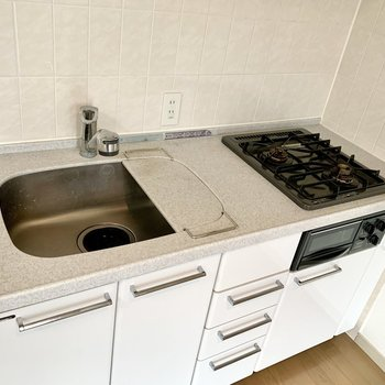 【DK】作業スペースもしっかりあって、料理が捗ります。※写真は前回募集時のものです