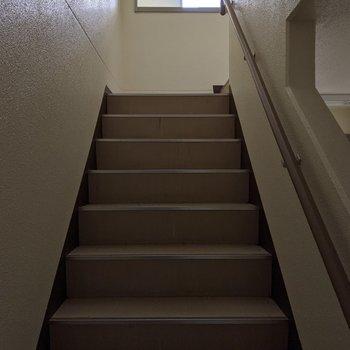 階段は室内なので天気の影響を受けにくいですね。