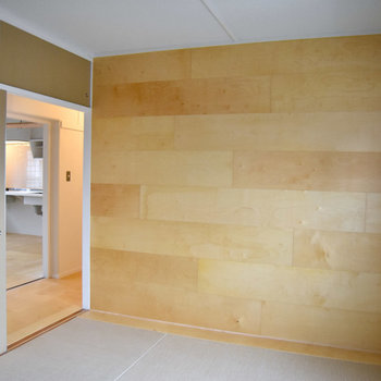 やわらかな雰囲気ですね。※現在、ラワン合板フローリングタイプの住戸のみ空室となっております(写真3枚目のタイプ)