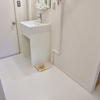 洗濯パンはなく、排水のみです。※写真はモデルルーム
