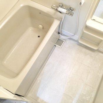 水栓も使いやすいく、疲れもしっかり癒せそう◎(※写真は3階の同間取り別部屋のものです)