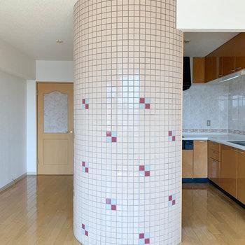 【LDK】柱と見せかけて...※写真は2階の反転間取り別部屋のものです