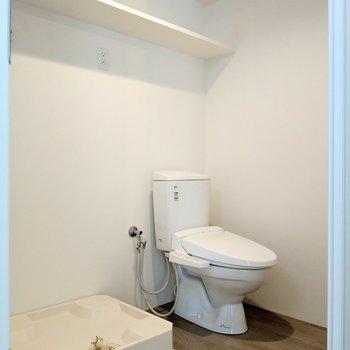 サニタリースペース。トイレは脱衣所にオープン!