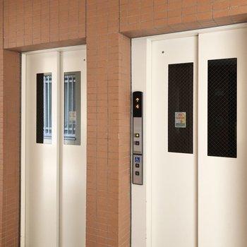エレベーターは2つあるので待ち時間も削減できますね。