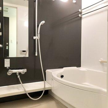 バスルームも広々しています。