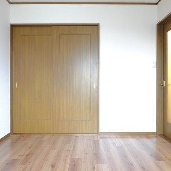 こちらは夫婦の寝室といった使い方が良いでしょうか。