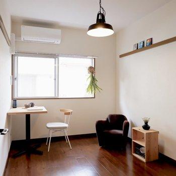 【洋室②】窓からの日当たり良好※写真は1階の同間取り別部屋のものです