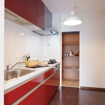 【LDK】広くて料理しやすそう※写真は1階の同間取り別部屋のものです
