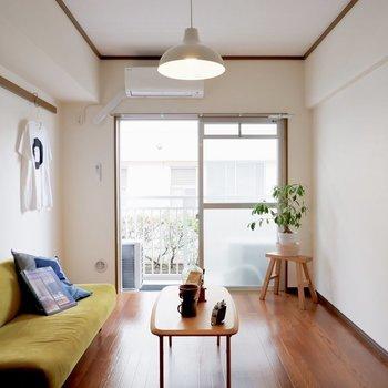 【洋室①】寝室兼書斎に※写真は1階の同間取り別部屋のものです