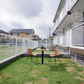 【専用庭】バルコニーとお庭の贅沢な2点セット!※写真は1階の同間取り別部屋のものです