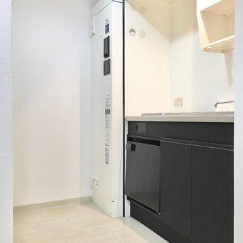 キッチンにはミニ冷蔵庫付き。