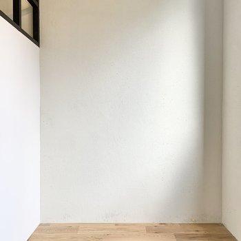 こぢんまりとした空間です。※写真は2階の同間取り別部屋のものです