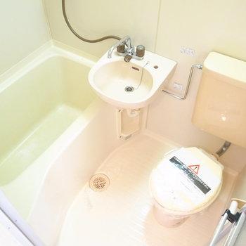 お風呂は3点ユニットバスです。