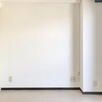 テレビ端子はキッチン側の壁に。