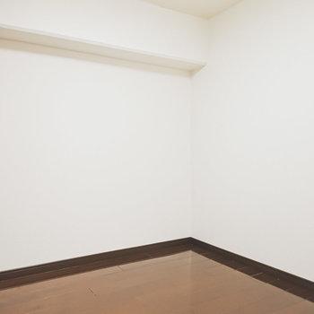 洋室は約3.6帖とコンパクト。収納部屋として使うのがオススメです。