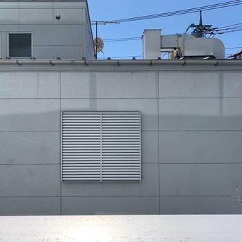 眺望は目の前の住宅です。