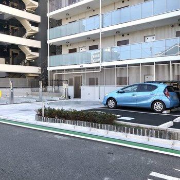 駐車場も完備です。