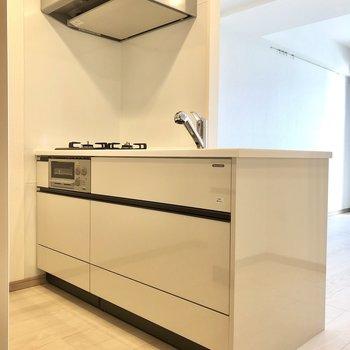 【LDK】開放感のあるカウンターキッチン。