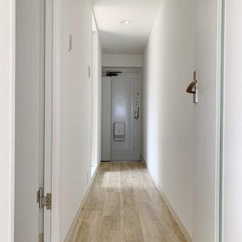 廊下部分に水回りがありますよ。