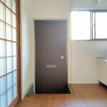 玄関スペースもしっかり。シューズボックスも置けそうです。