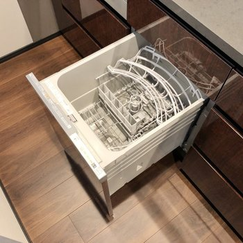 【LDK】さらに食洗機まで備わっています。