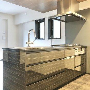 【LDK】スタイリッシュなデザインでお部屋の雰囲気に溶け込みます。
