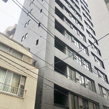 新築ピカピカのマンションです。