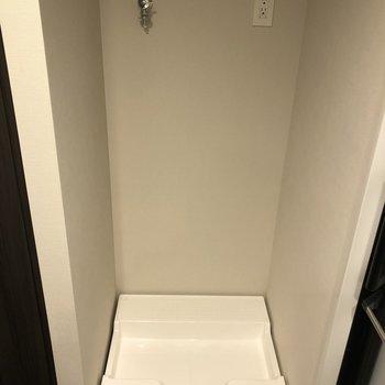 洗濯機置き場は脱衣所に。