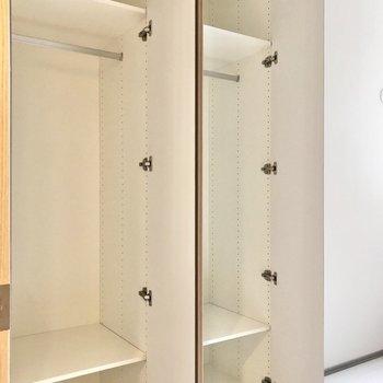 【4帖】たっぷりとお洋服が収納できそうです。※写真は2階の同間取り別部屋のものです
