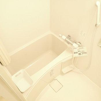 バスルームは白で統一されていました。