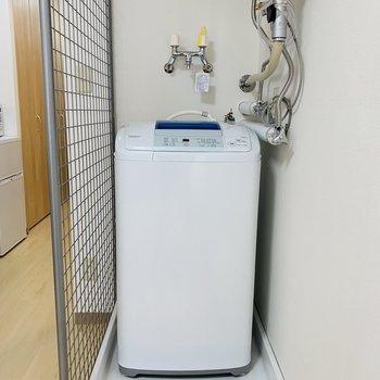 洗濯機置場は室内にオープンスタイル