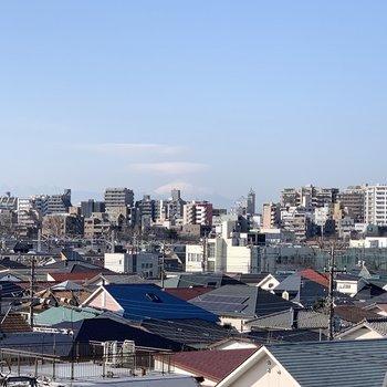 あちらに見えるは富士山!!