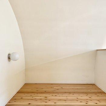 ここだけ無垢床。何スペースにしよう・・・